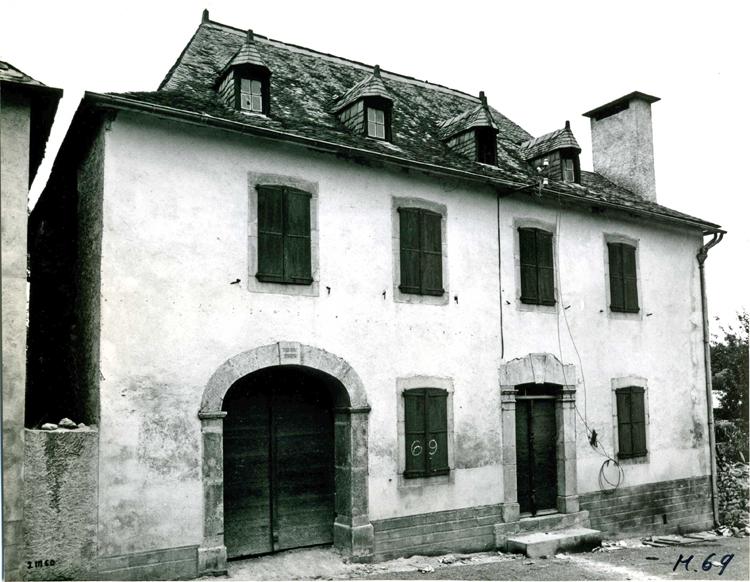 maisons neuves maisons 4 millions qui malheureusement nont pas permis de garder au bourg son style ni son cachet ancien