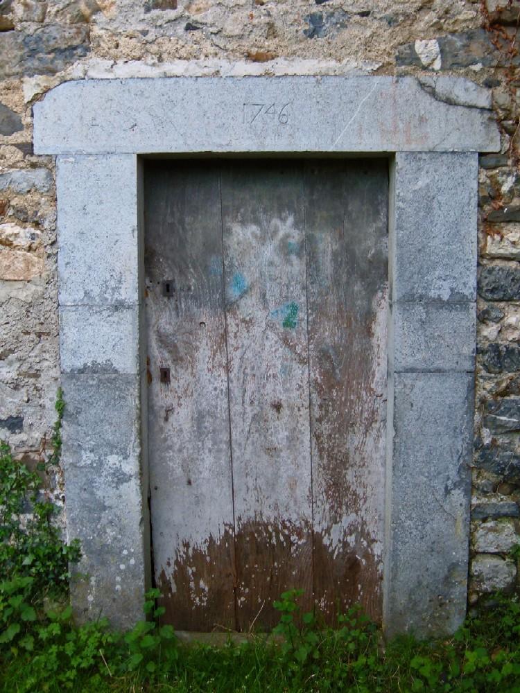 Linteaux De Portes Datés
